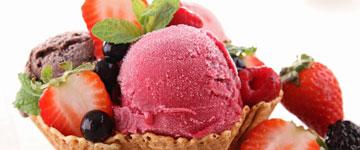 spisesteder i blåvand - lækker is med topping