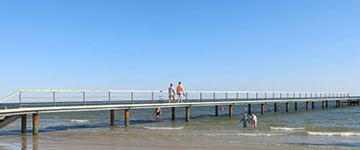 hvidbjerg strand. blaavand